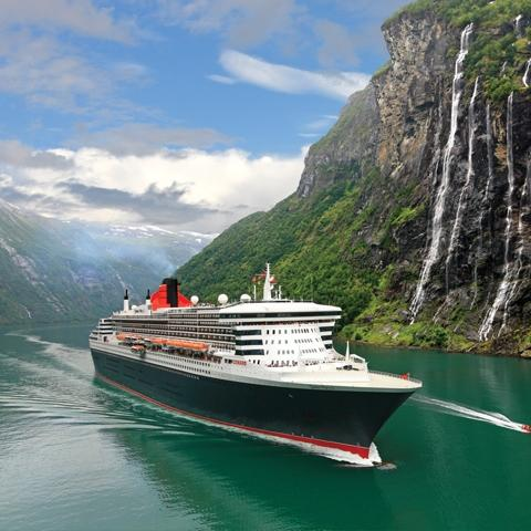 The Queen Mary 2 wears Intersleek 900.