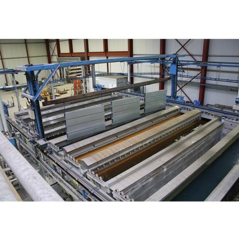 The production line at Rackers uses the non-electric Aquence coating process to protect metal parts durably against corrosion.